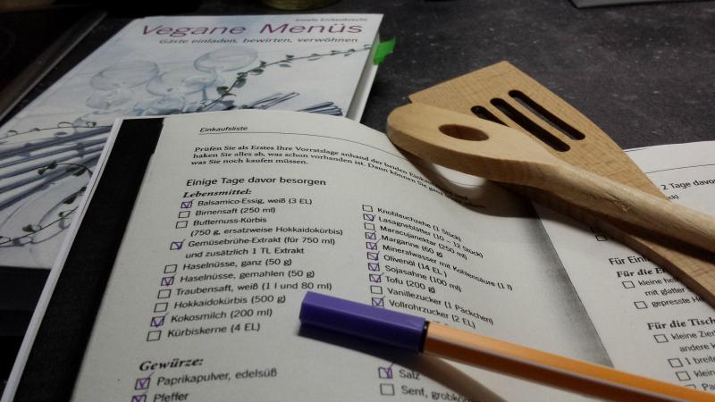 """Checkliste aus dem Buch """"Vegane Menüs"""" von Irmela Erckenbrecht"""